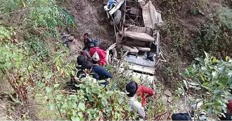 सुमो दुर्घटनामा चालकको मृत्यु तथा ४ जना घाइते